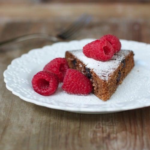 Gluten free Orange Date Cake made with quinoa flour in a slow cooker @reganjonesRD @healthyaperture