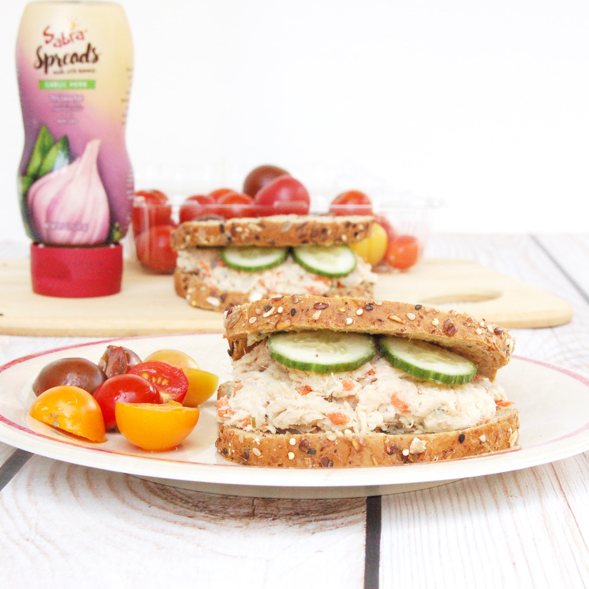Mayo-Free Tuna Hummus Sandwich | The classic tuna sandwich gets an upgrade with this mayo-free tuna hummus salad sandwich, perfect for the kids' lunchbox or anyone's mid-day meal! Recipe @jlevinsonrd