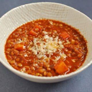 gluten-free vegetarian lentil chili in a bowl