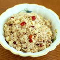 Upgrade your classic tuna salad with crunchy apples and a touch of sweetness from dried cranberries for a high-protein, omega-3-rich lunch. Get the gluten-free, dairy-free recipe @jlevinsonrd.