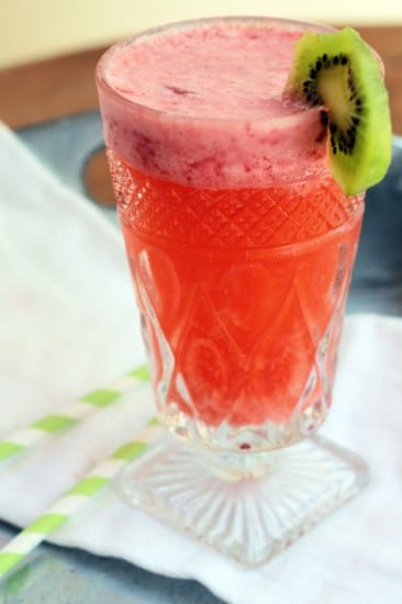 Strawberry Kiwi Fizz @dianeboydrd