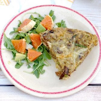 Savor the flavors of spring and summer with this Mushroom Asparagus Pesto Frittata. Perfect for a quick and easy weeknight dinner or a relaxing weekend brunch. Get the recipe at JessicaLevinson.com | #vegetarian #glutenfree #asparagus #eggrecipes #mushrooms #frittata #springrecipes