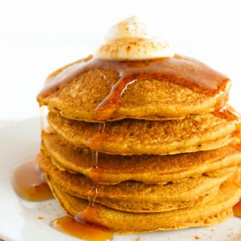This fall, wake up to a stack of these healthier pumpkin pancakes made with whole grains, aromatic spices, honey, and 100% pure pumpkin puree. Get the vegetarian and nut-free recipe @jlevinsonrd.