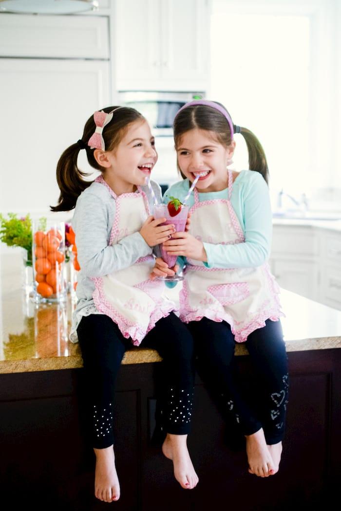kids drinking fruit smoothie
