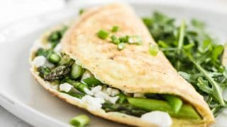 Easy Asparagus and Goat Cheese Omelet